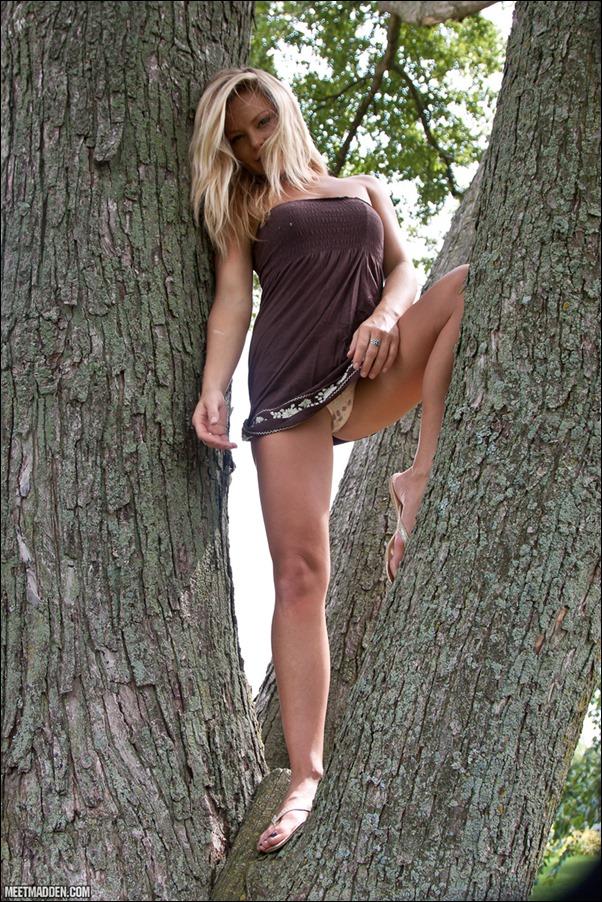 meet-madden-brown-sundress-04