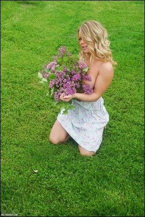 meet-madden-purple-flowers-07