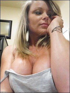 meet-madden-hotel-selfies-10