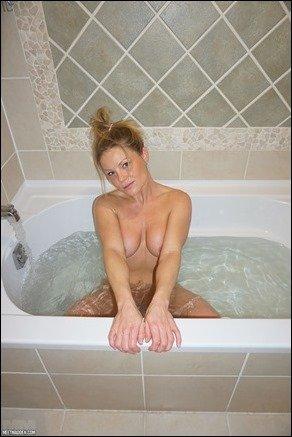 meet-madden-bath-09
