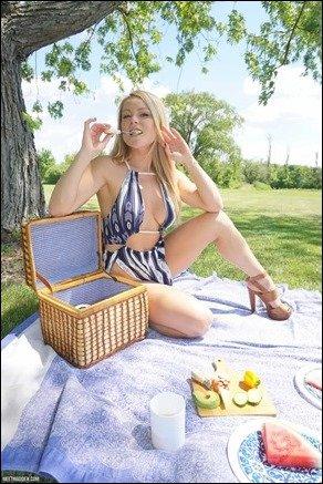 meet-madden-picnic-03