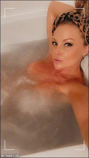 meet-madden-bath-relax-07