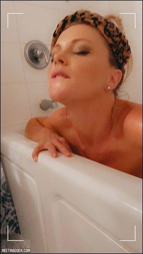 meet-madden-bath-relax-08