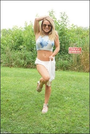 meet-madden-white-skirt-01